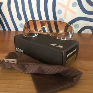 Oakley Dart Sunglasses 🕶 Gold and Brown Gradient